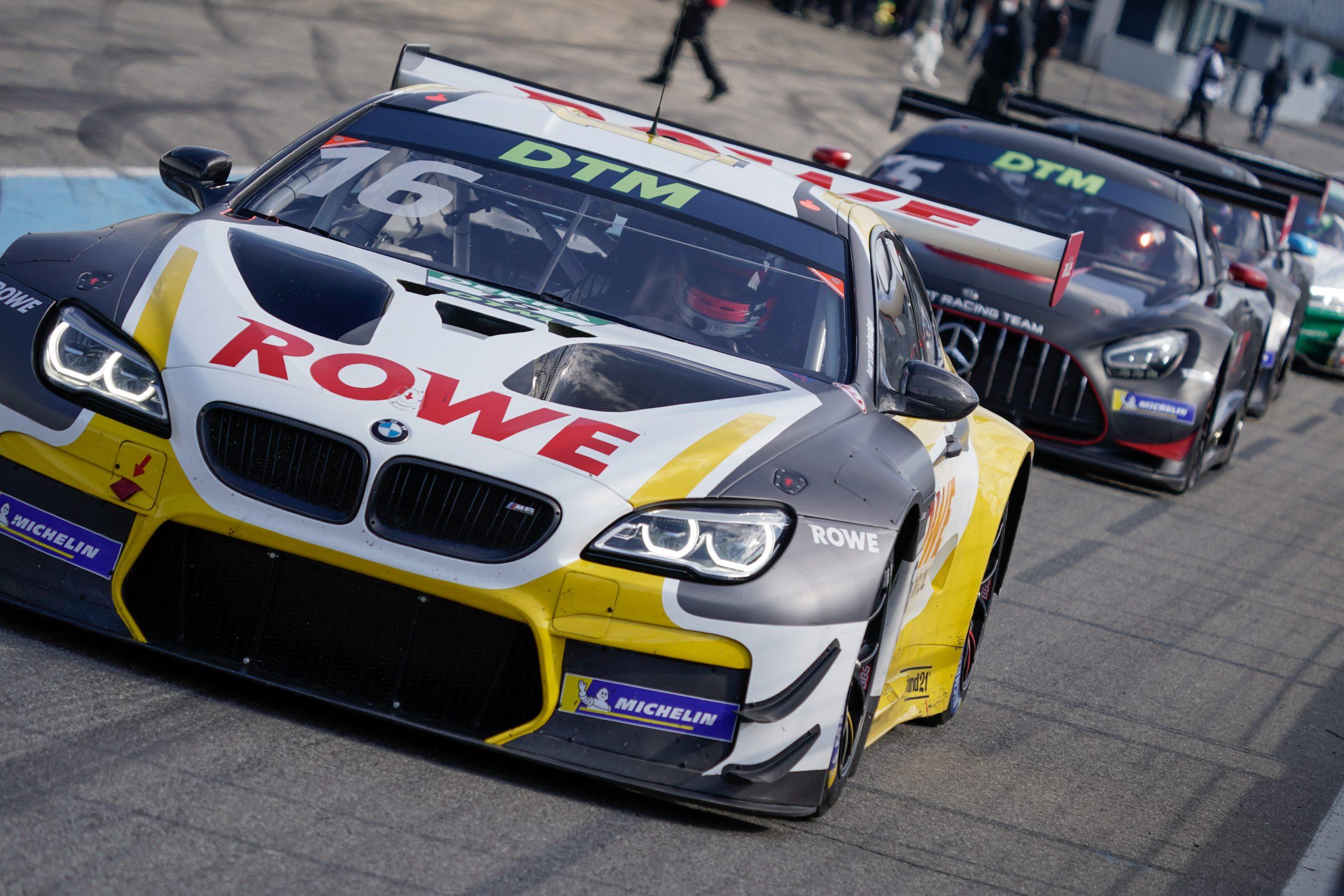 Starterfeld der DTM 2021 mit 19 Fahrern und fünf Marken ...